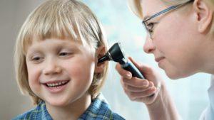 Objawy niedosłuchu - Jakie są przyczyny? Kiedy warto zbadać słuch?