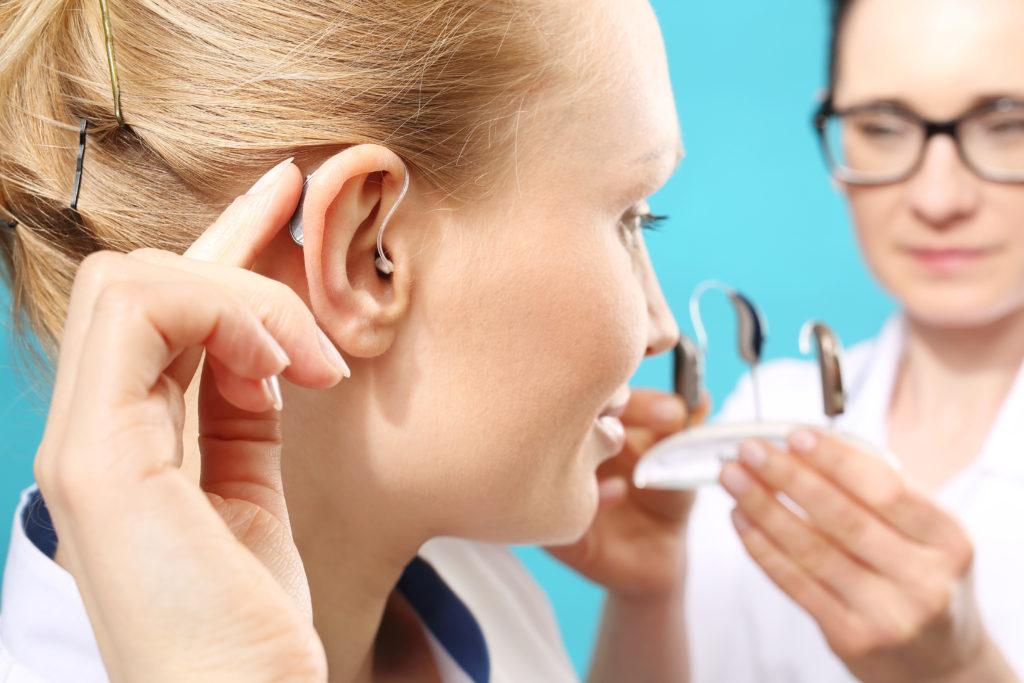 Jak dbać o słuch? Praktyczne porady jak chronić słuch przed uszkodzeniem